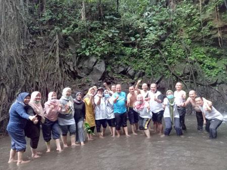 Viral Foto Kadisperindag Langgar Prokes Tamparan Keras Bagi Keseriusan Ridwan Kamil Dalam Penanganan Covid 19 1 Copy