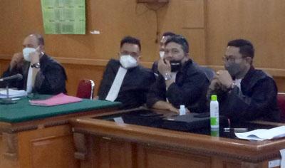 Tim Penasihat Hukum Dadang Suganda di PN Tipikor Bandung Rabu 10022021. FOTO DRY