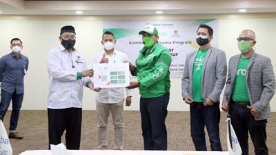 Kembangkan Cashless Society bank bjb Gandeng Baznas Provinsi Jawa Barat dan Grab 2