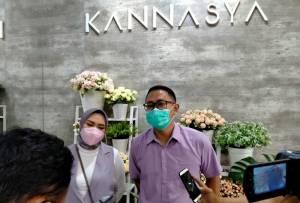 Owner Kannasya K Cafe & Coffee Shop Ugi Julian dan Lisda Damayanti